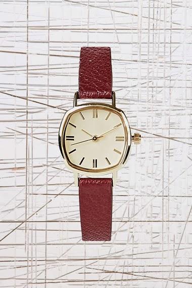 reloj granate de urban outfitters