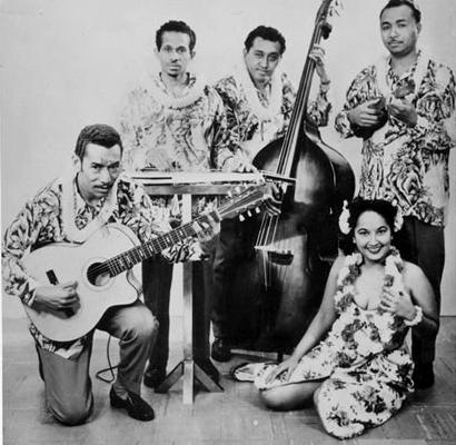 Rudi Wairata & His Mena Moeria Minstrels - Beautiful Hawaii