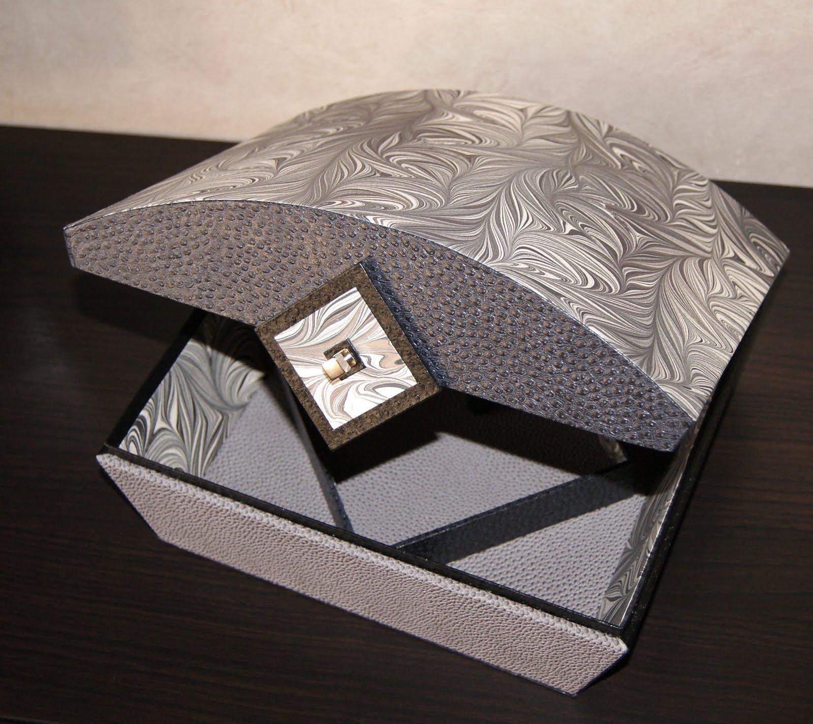 recreations bo te keiko. Black Bedroom Furniture Sets. Home Design Ideas
