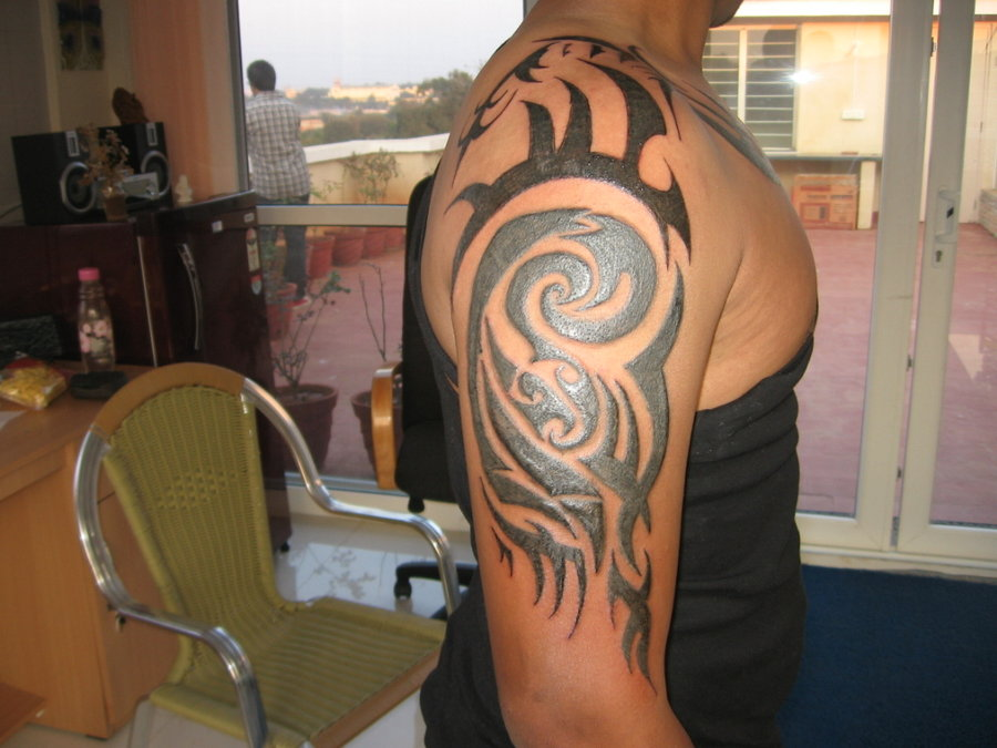 half-sleeve-tribal-tattoos_tribal-half-sleeve-tattoos.jpg