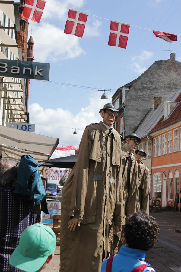 Les Big brozeurs helsingör, gatufestival, passagen, gatuteater, fyra detektiver på stan, rolig teater