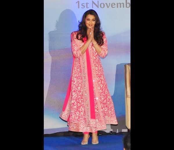 Kareena Kapoor in Suit