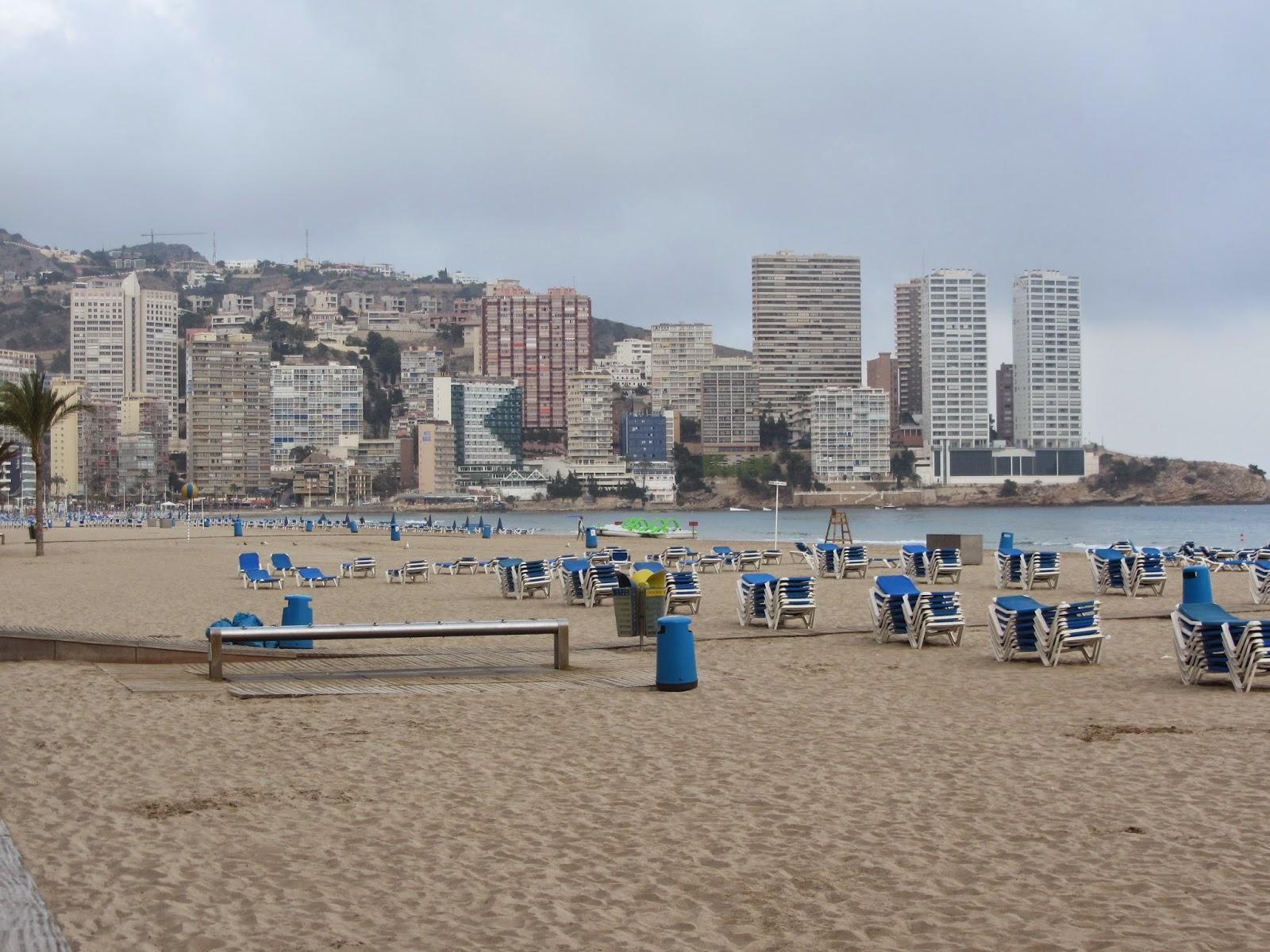 La Playa de Levante es en la que más diversión encontrarás, además está precedida de un paseo marítimo lleno de bares y ocio.
