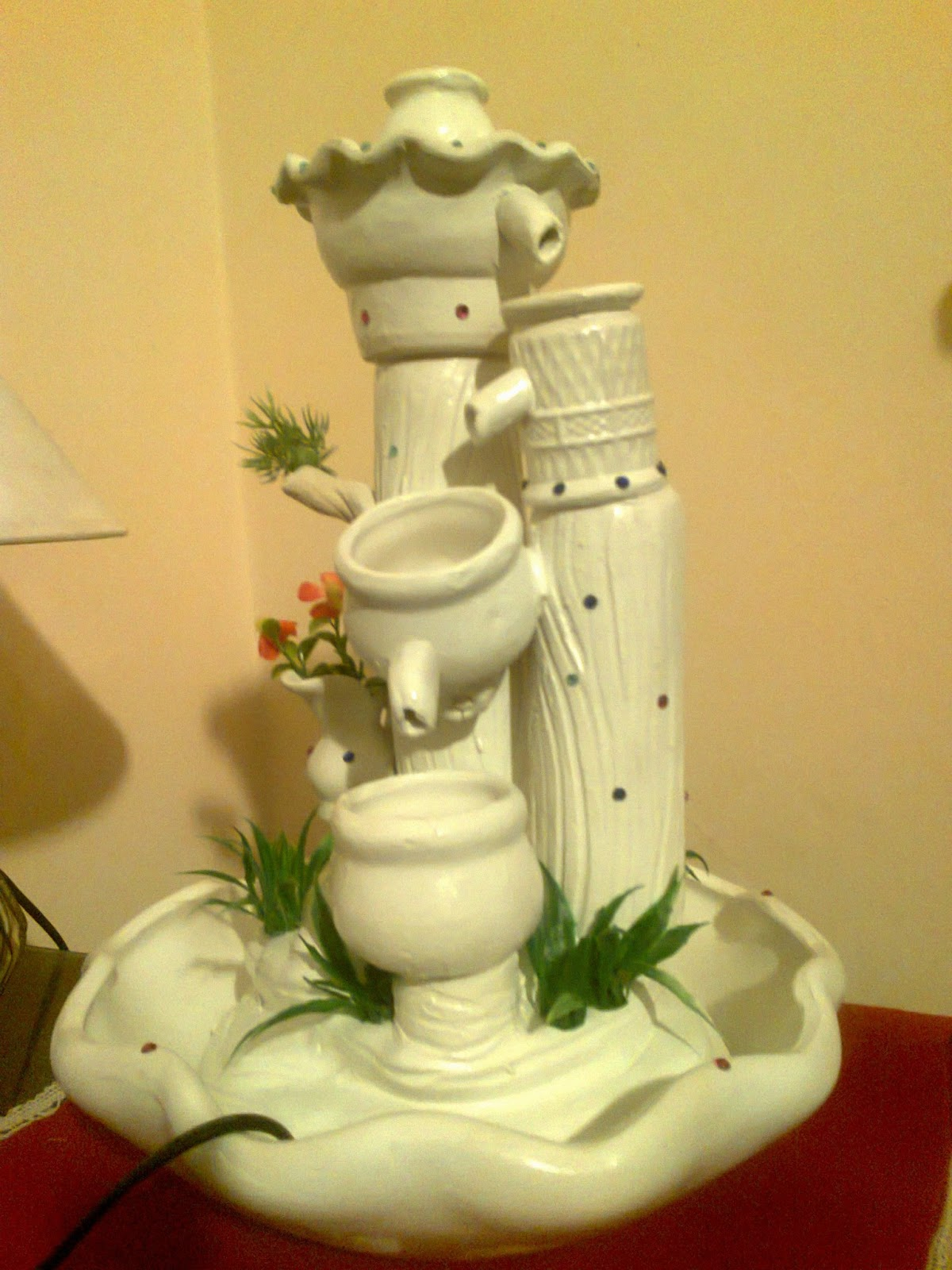 Paraiso natural lihue fuentes de agua lamparas con - Fuentes interiores de agua ...