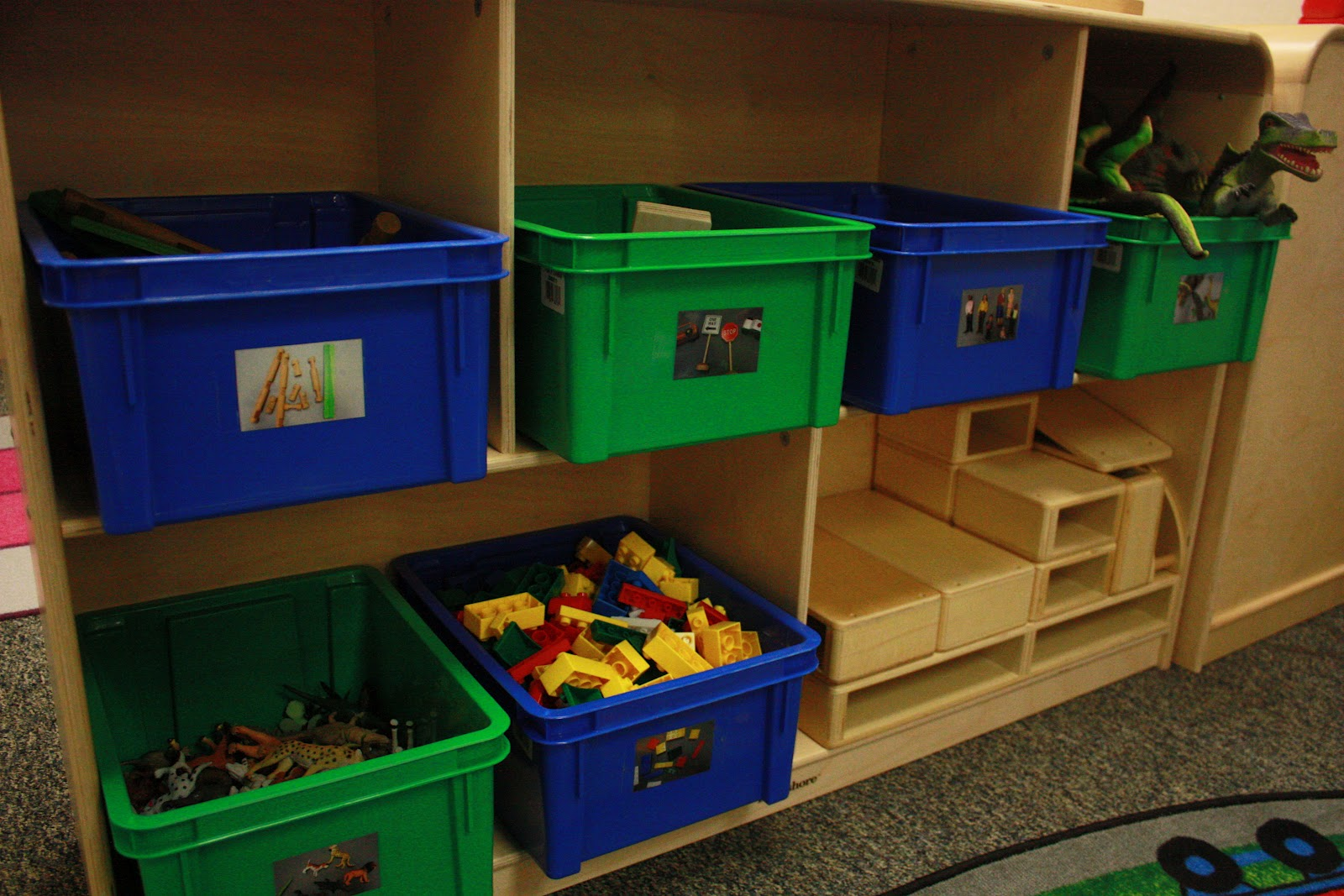 More than abc 39 s and 123 39 s preschool classroom set up for Center block house