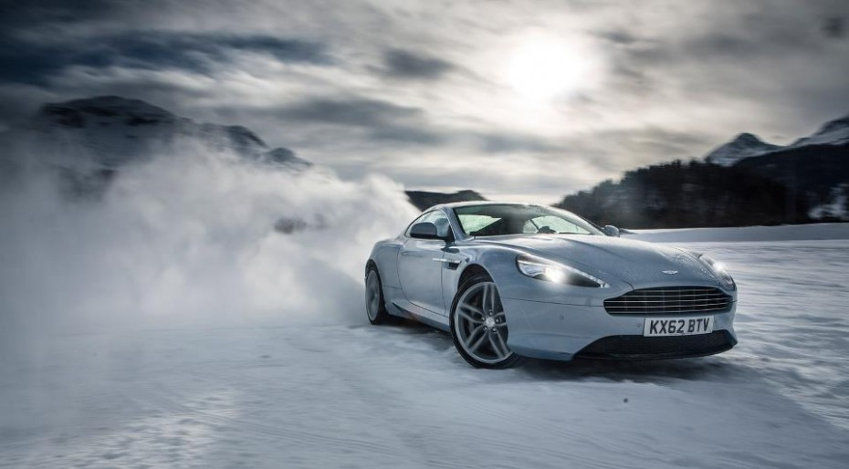 Okokno Aston Martin On Ice