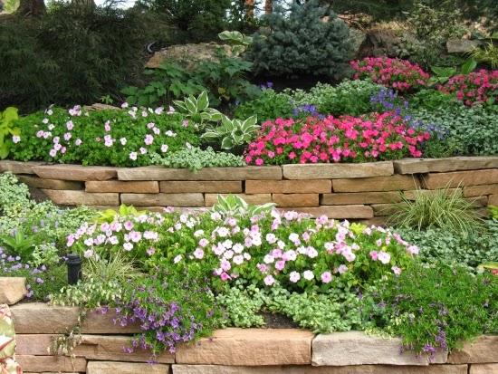 Conseils d co et relooking construire un mur de jardin - Construire un muret de jardin ...
