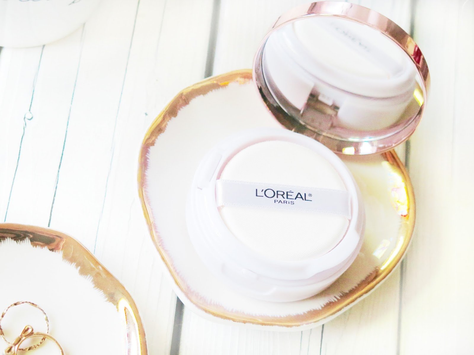 NEW | L'oreal True Match Lumi Cushion Foundation | Review & Demo | A Serious Glow Getter | labellesirene.ca