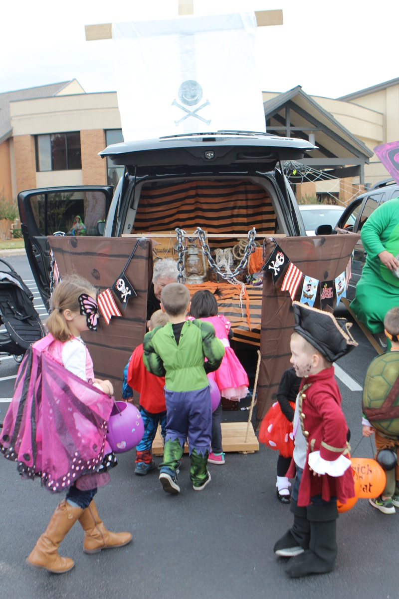 Trunk or Treat Idea Pirate Ship