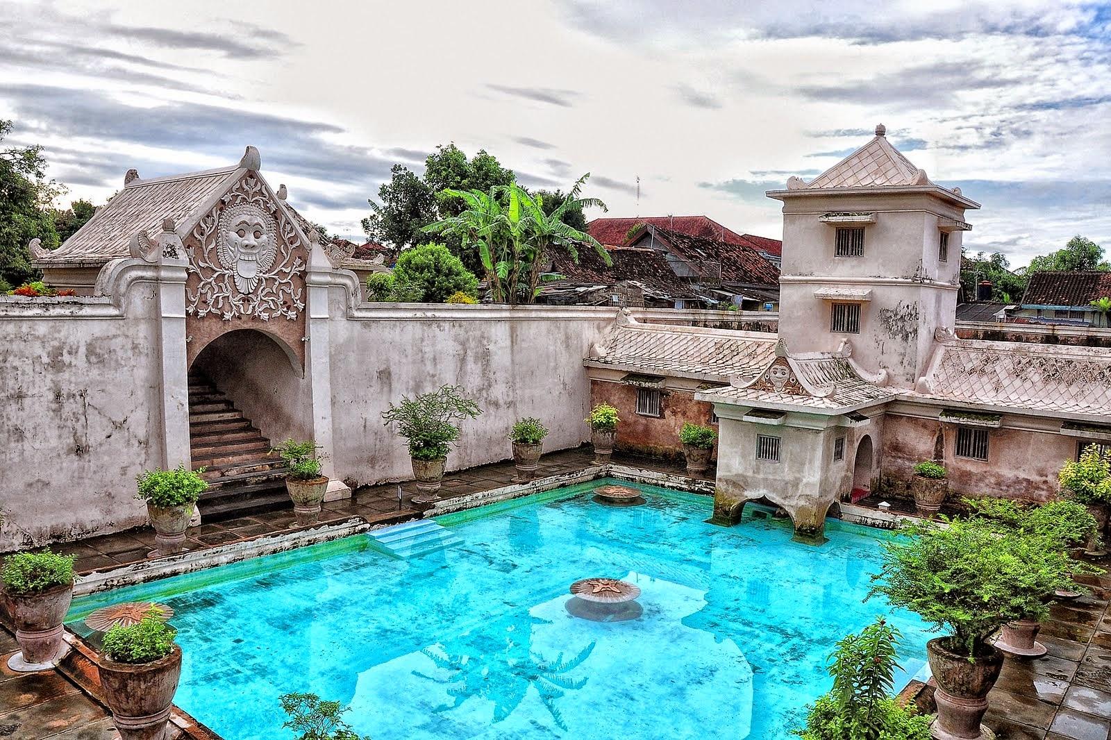 Istana Air Taman Sari Yang Penuh Keindahan Dan Rahasia Oleh Oleh