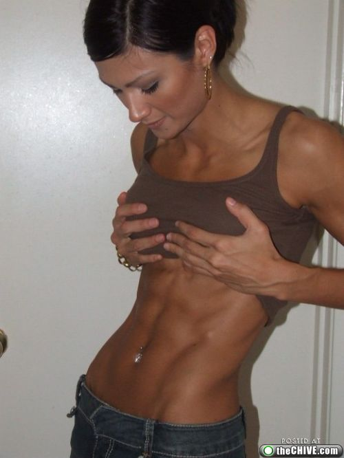 washboard abs six pack0 Hot Chicks With Awesome Six Pack Abs