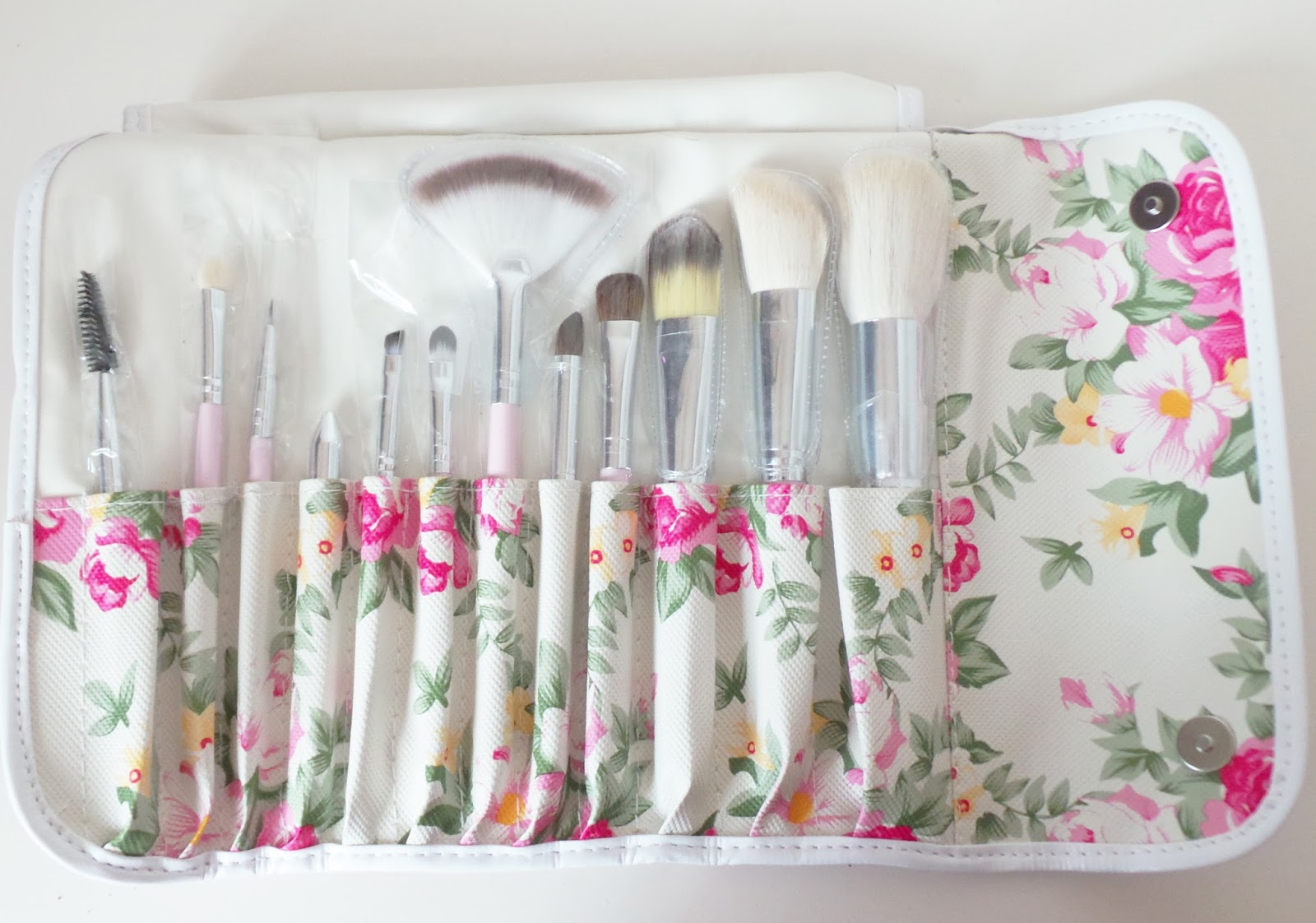Review | Born Pretty Store Cosmetic Brush Kit - Peony Floral Bag