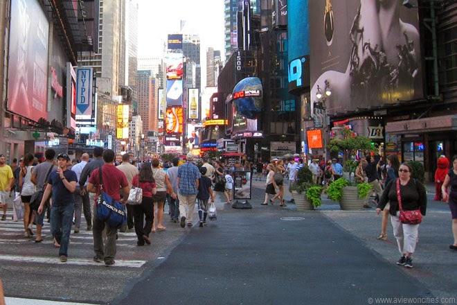 Times-Square-Pedestrianized-area