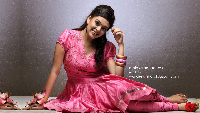 http://2.bp.blogspot.com/-NisIgK8hhPA/UGV1f29KeFI/AAAAAAAAAbM/GNMh8or1GE4/s1600/malayalam_actress_radhika.jpg