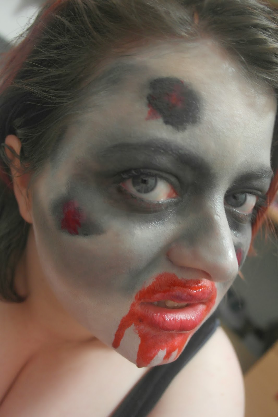 Halloween 2013 costume make up ideas 2 zombie the for Mirror zombie girl