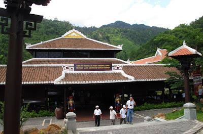 Ba Na hills travel - Road to the Penglai