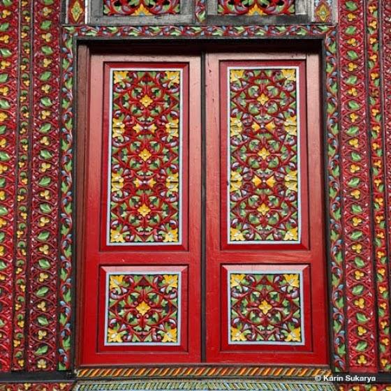 Foto Ukiran Pintu Rumah Gadang