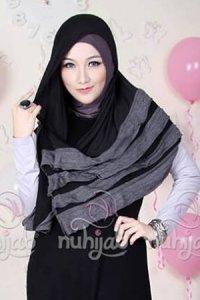 Nuhijab Rample Shawl (RS) - Black (Toko Jilbab dan Busana Muslimah Terbaru)