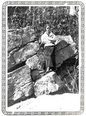 Bonnie on the rocks