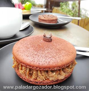 Etienne Marcel Pasteleria Grand Macaron