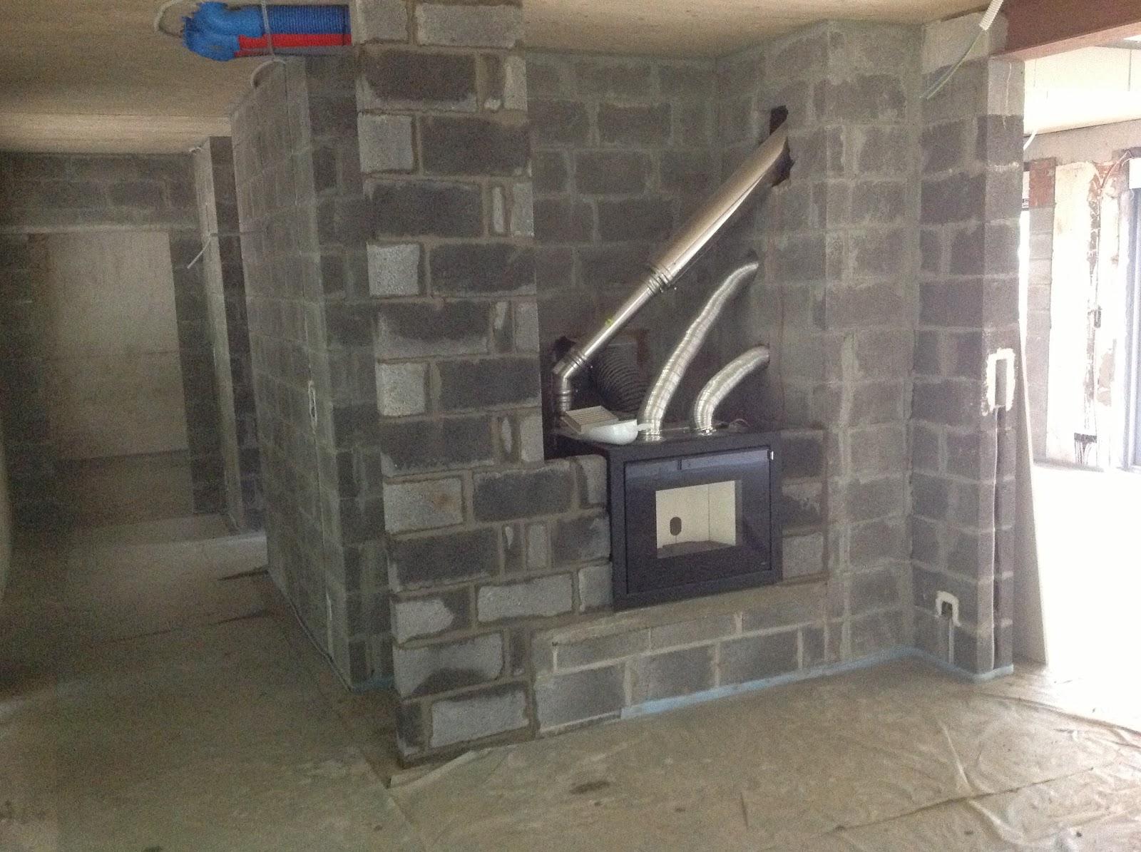entre les bois plafonnage et cr pi du garage. Black Bedroom Furniture Sets. Home Design Ideas
