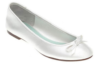 Various Kinds Of Wedding Dresses With New Models Five Flat Wedding Shoes At Low Prices