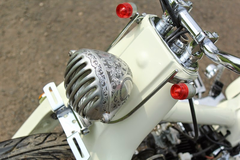 Photo Modif Honda Astrea Grand Bergaya Bobber Street Cup