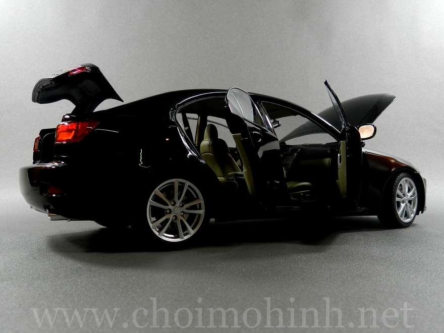 Lexus IS 350 2006 1:18 AUTOart black door