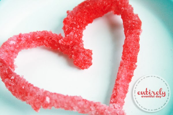 DIY Heart-shaped Rock Candy. How to make it with pipe cleaners. www.entirelyeventfulday.com #valentines #candy #hearts