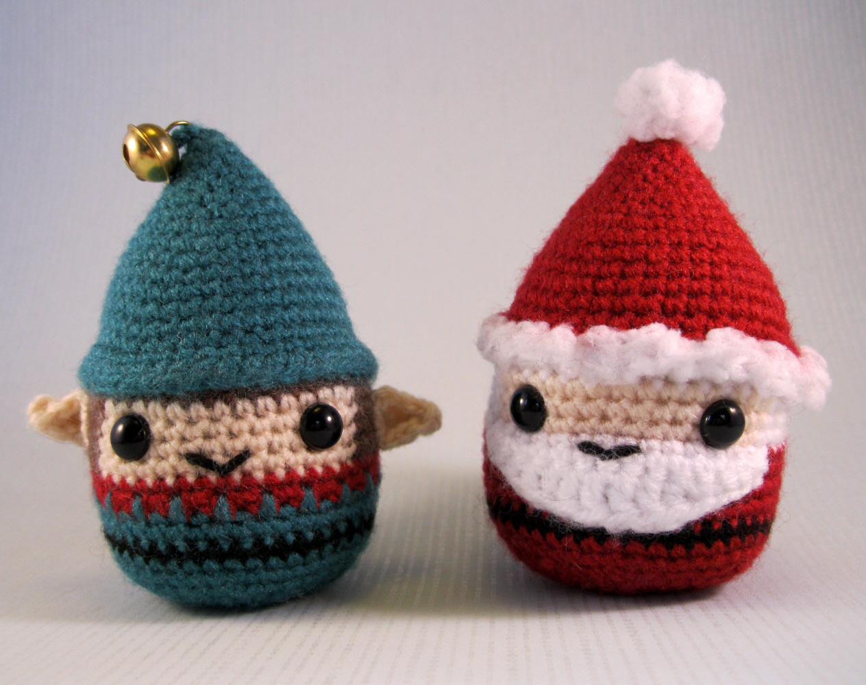 LucyRavenscar - Crochet Creatures: Little Christmas Mouse - free pattern