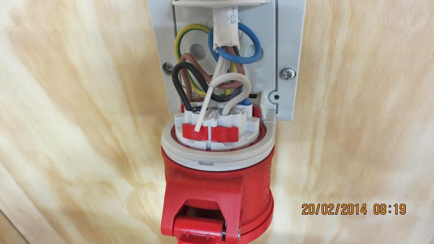 3-Vaihe pistorasia kytkentäkaavio