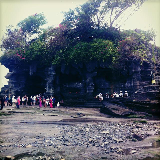 templos bali tanah lot balineses peregrinos
