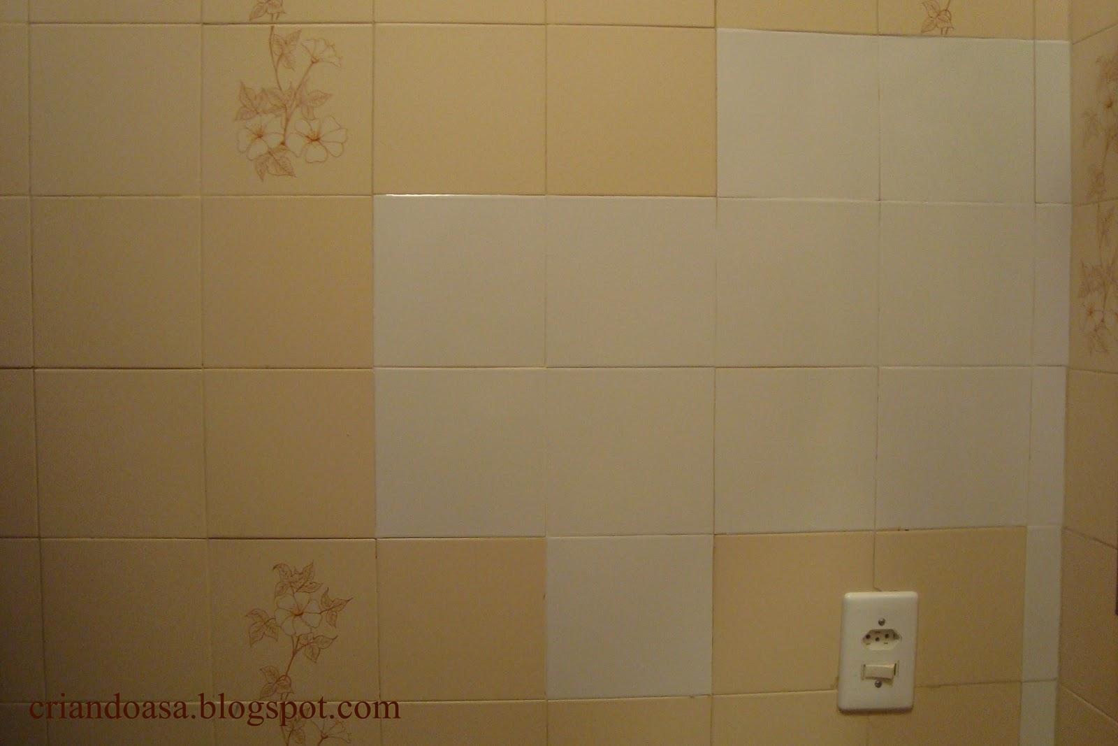 arrancar e vai fazer uma semana que o banheiro está assim remendado #4C341C 1600x1067 Banheiro Antigo O Que Fazer