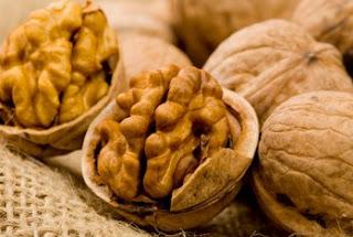 Φάτε 5 καρύδια και περιμένετε για 4 ώρες - Δείτε τι θα σας συμβεί...