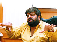 T Rajendar Wants To Create Small Theaters