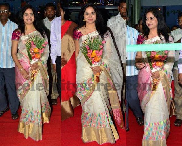 Singer Sunitha Cream Kota Silk Sari