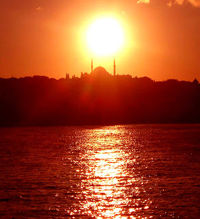 Sunset over the Golden Horn, Istanbul, Turkey. Photo by Bertil Videt 2003.