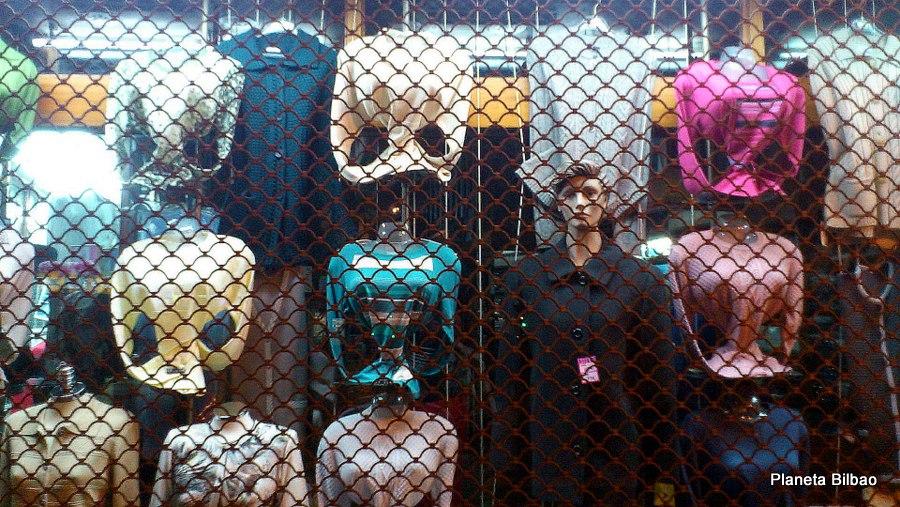 Maniquíes,comercio,escaparates,ropa,Bilbao