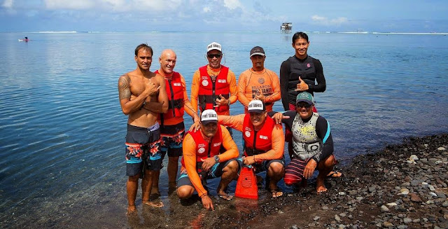 equipo de rescate billabong pro tahiti teahupoo 2