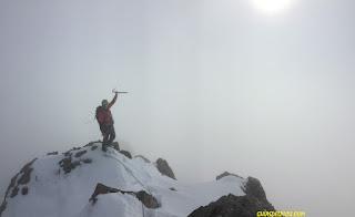 Fernando Calvo Guia de alta montaña uiagm en picos de europa , Ubiña . Rab Torque jacket , Rab Calibre. Campcassin