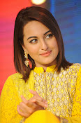 Sonakshi sinha at Lingaa event-thumbnail-1
