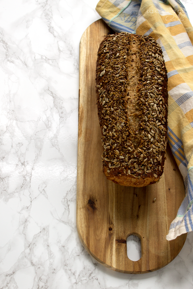 multigrain-country-bread-#breadbakers