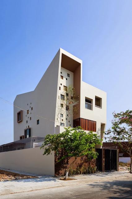 553857b8e58ece9fb60000f6_2h-house-truong-an-architecture-23o5studio_portada_2h-02