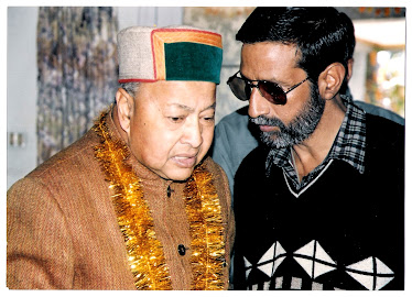 Rajen Todariya with Union Minister Virbhadra Singh