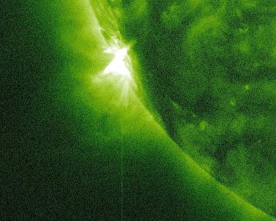 LLAMARADA SOLAR CLASE M1.7, 05 DE ENERO DE 2013