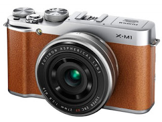 FujiFilm X-M1, Interchangeable Lens Camera with APS-C Sensor X-Trans
