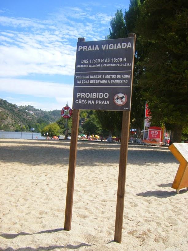 Sinalização praia vigiada