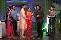 Shahrukh promotes 'Chennai Express' on the sets of Diya Aur Baati Hum
