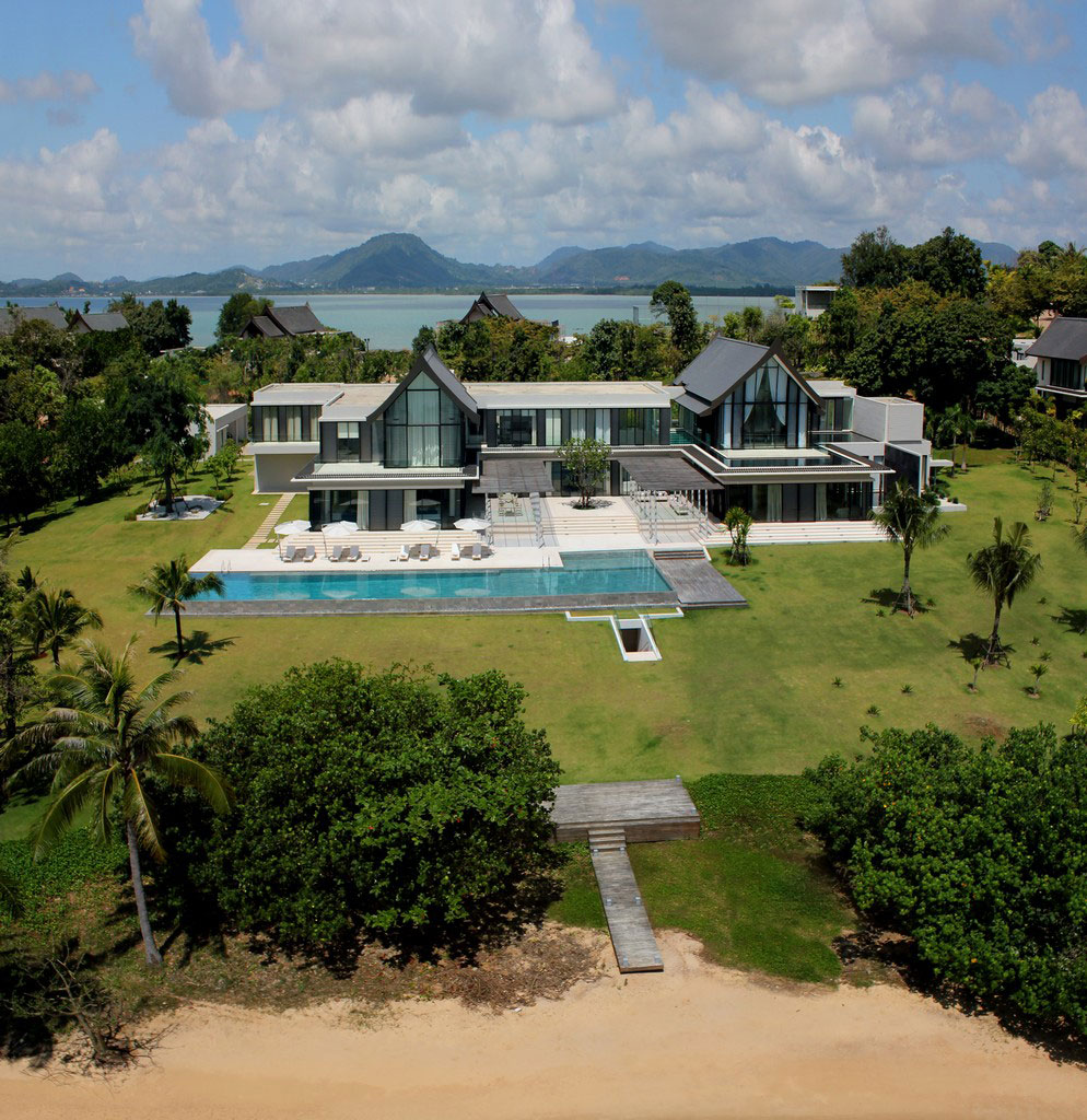 Luxury beach homes luxury beach house cape yamu phuket for Home house