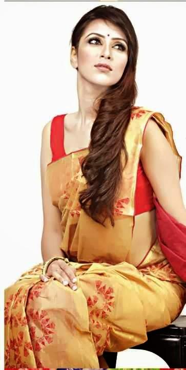Model+Bidya+Sinha+Saha+Mim007
